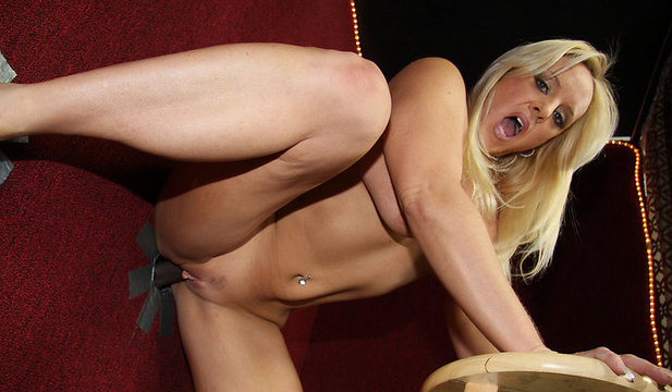 gloryhole-alexis_golden image