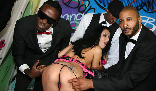 interracialblowbang-stephanie_cane image