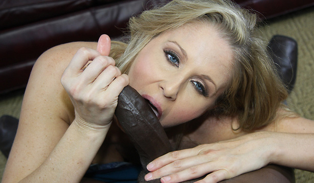 interracialpickups-julia_ann image
